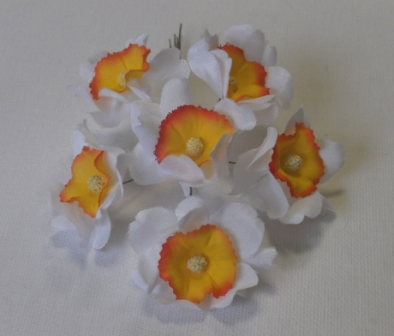 LB51 Narcissus Spray /6
