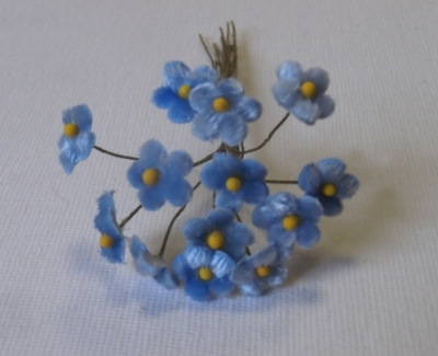 LB52 Blue Tiny Velvet Forget-Me-Not