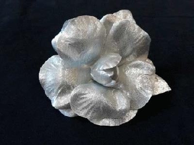 LB 36 Silver Lurex Camellia