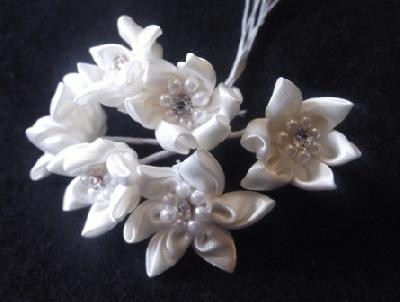 ER 143 Satin Crystal Star Flower /6