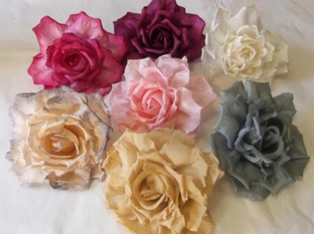 ER 551 Crinkle Edged Silk Rose
