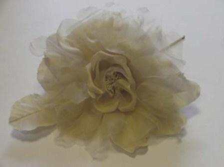 ER494 Giant silk/organza rose on pin 17cm