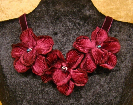 VN3 Vintage Velvet Orchid Necklace
