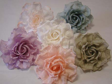 ER551 'Crinkled edged' Silk Rose